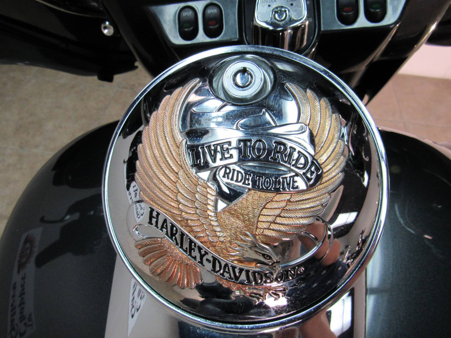 2009 Harley-Davidson Ultra Classic® Electra Glide® in Temecula, California - Photo 11