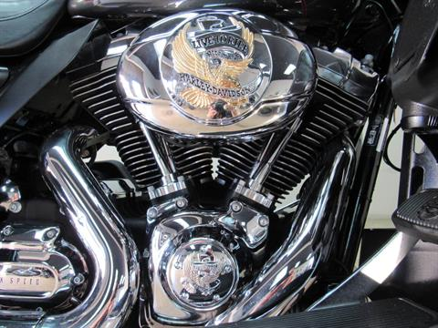 2009 Harley-Davidson Ultra Classic® Electra Glide® in Temecula, California - Photo 12