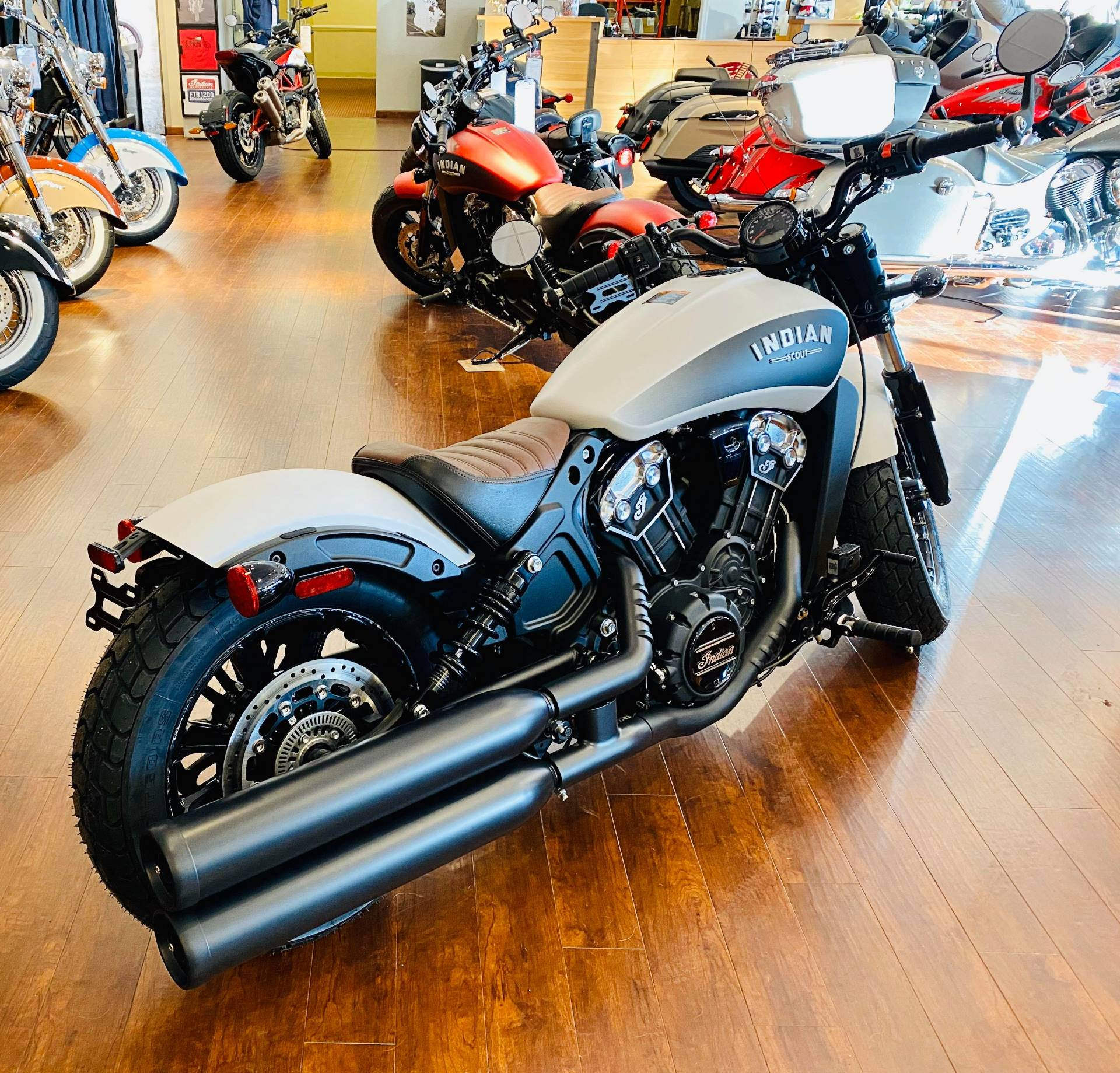 2020 Indian Scout® Bobber ABS in Fredericksburg, Virginia - Photo 4