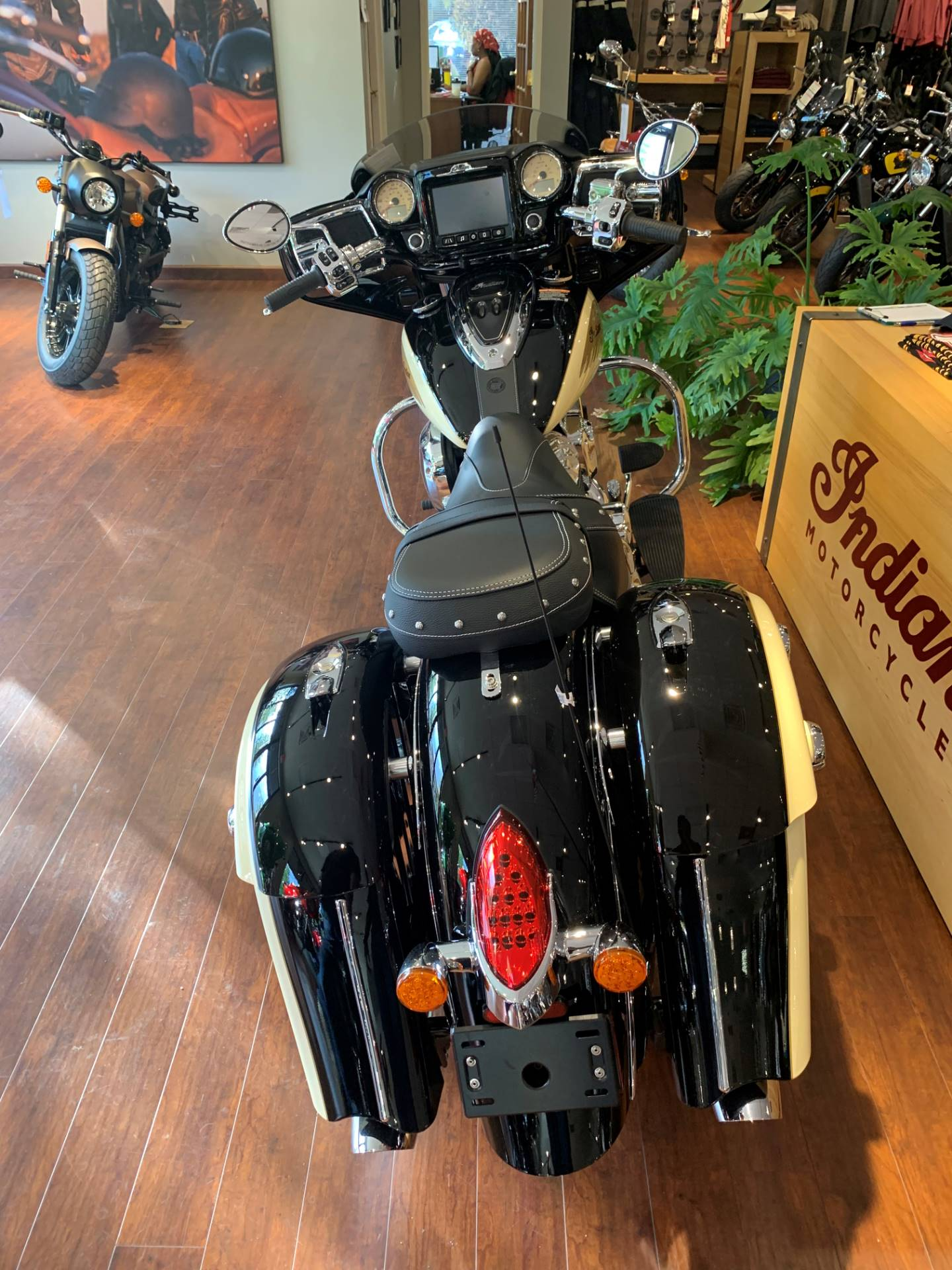 2019 Indian Chieftain® Classic ABS in Fredericksburg, Virginia - Photo 5