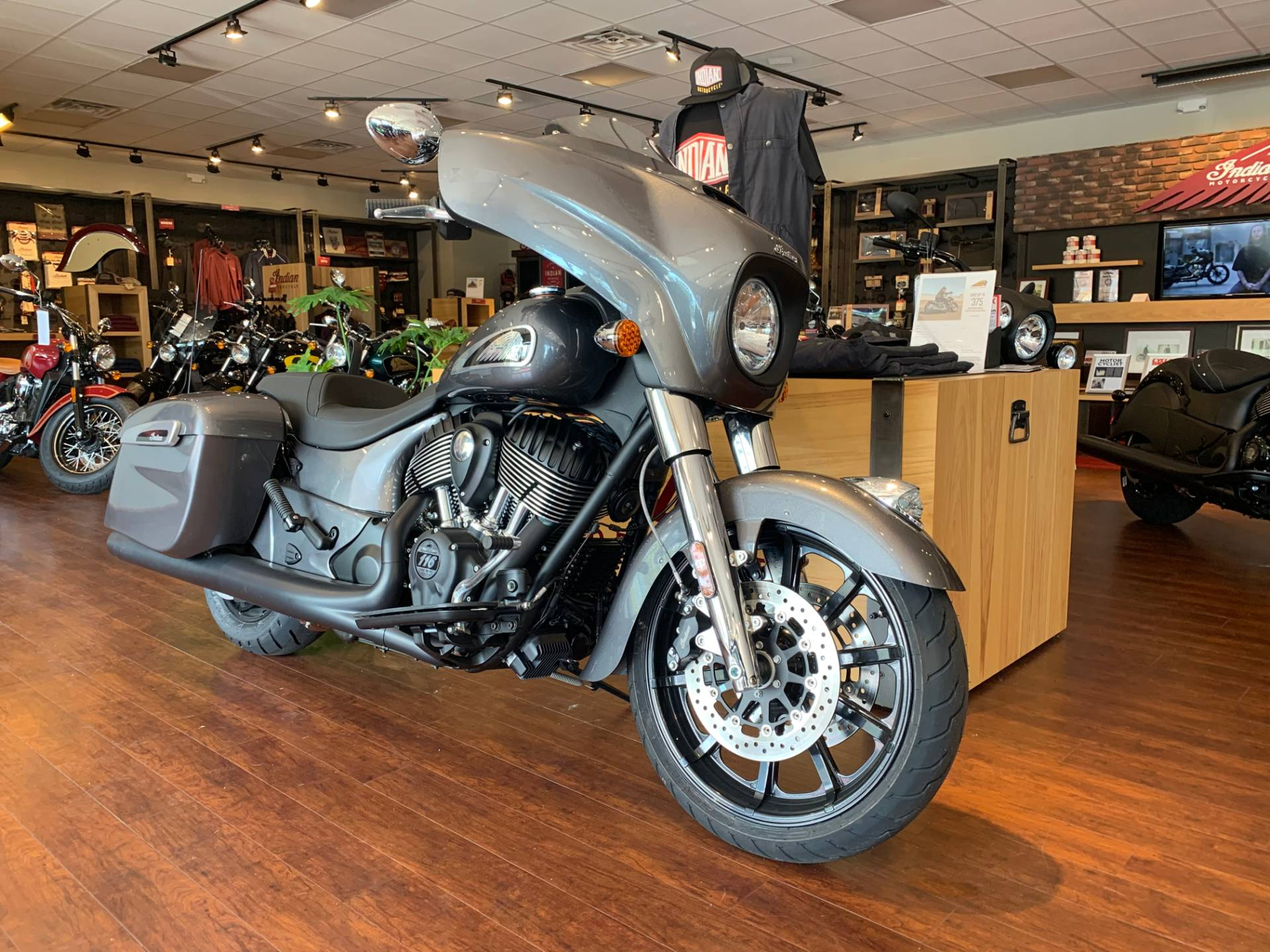 2019 Indian Chieftain® ABS in Fredericksburg, Virginia - Photo 4
