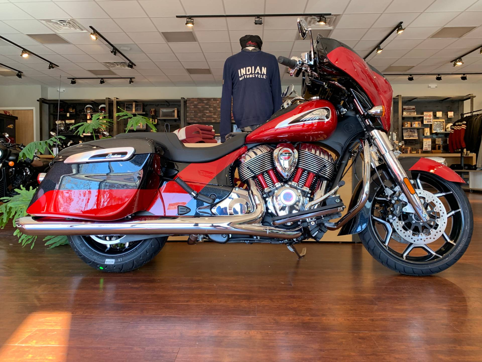2020 Indian Chieftain® Elite in Fredericksburg, Virginia - Photo 1