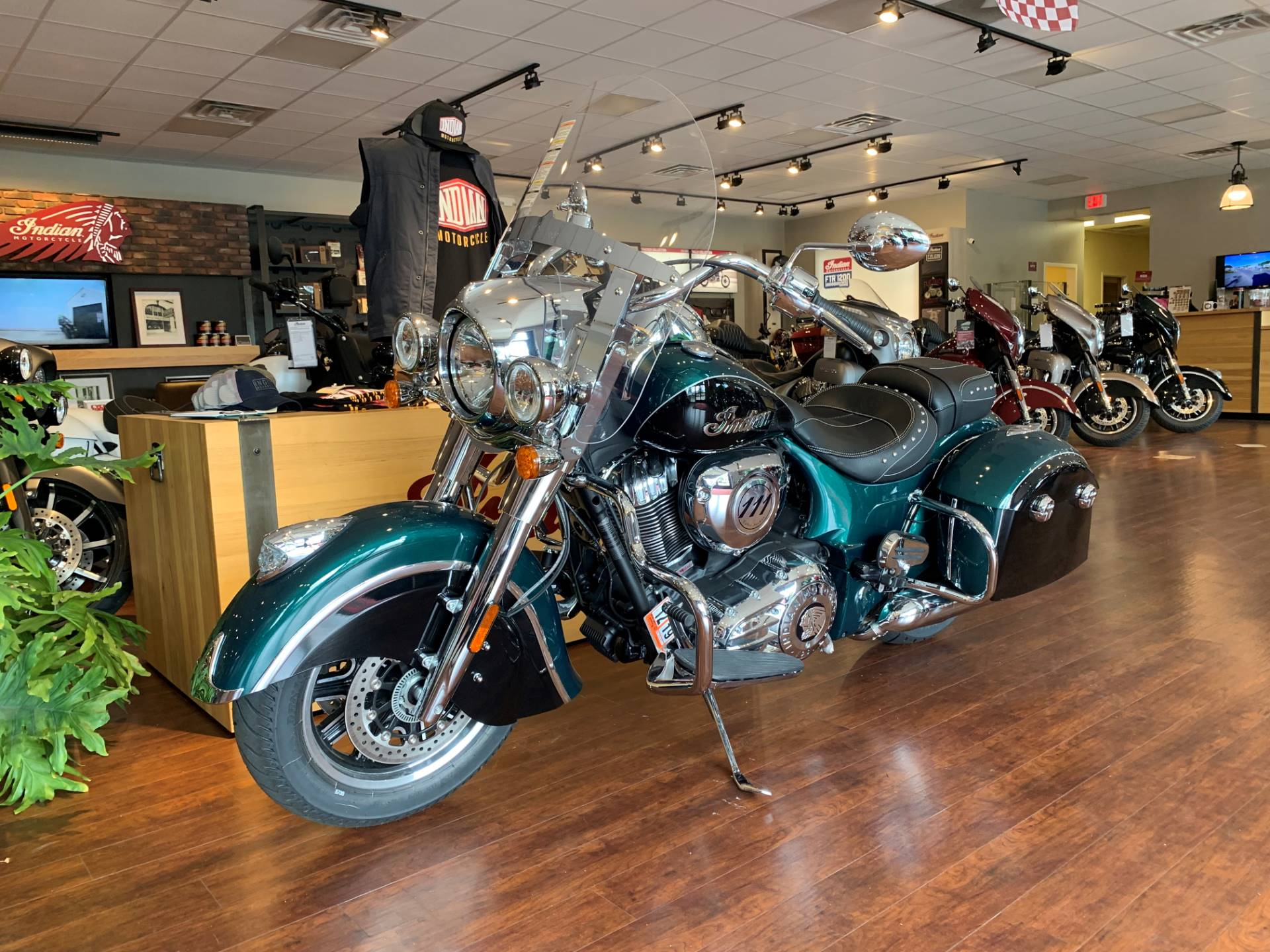 2019 Indian Springfield® ABS in Fredericksburg, Virginia - Photo 4