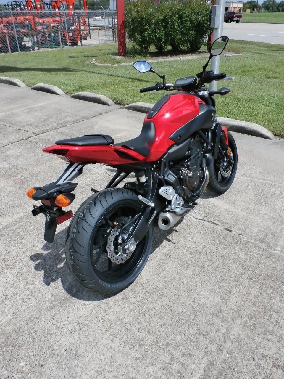 2017 Yamaha FZ-07 3