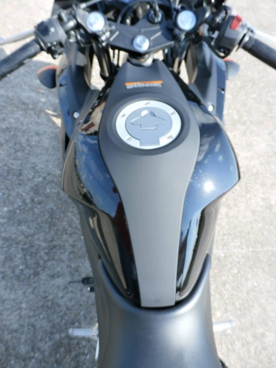 2015 Yamaha YZF-R3 9