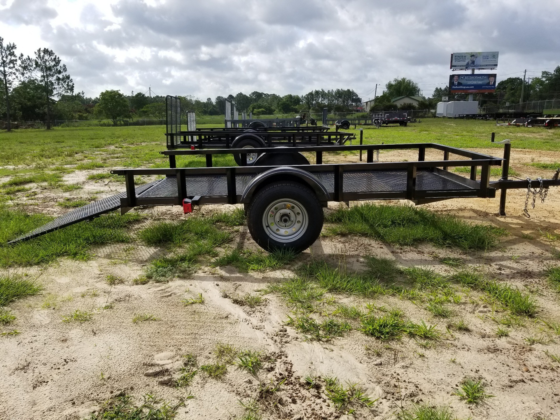 2019 Brewer Implement 5X10 SINGLE AXLE -  MESH FLOOR TRAILER in Tifton, Georgia - Photo 2