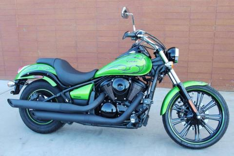 2014 Kawasaki Vulcan® 900 Custom in Kingman, Arizona