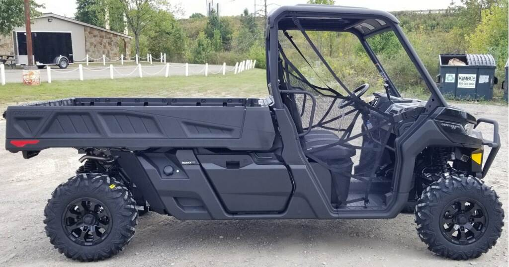 2020 Can-Am Defender Pro XT HD10 in Cambridge, Ohio - Photo 5