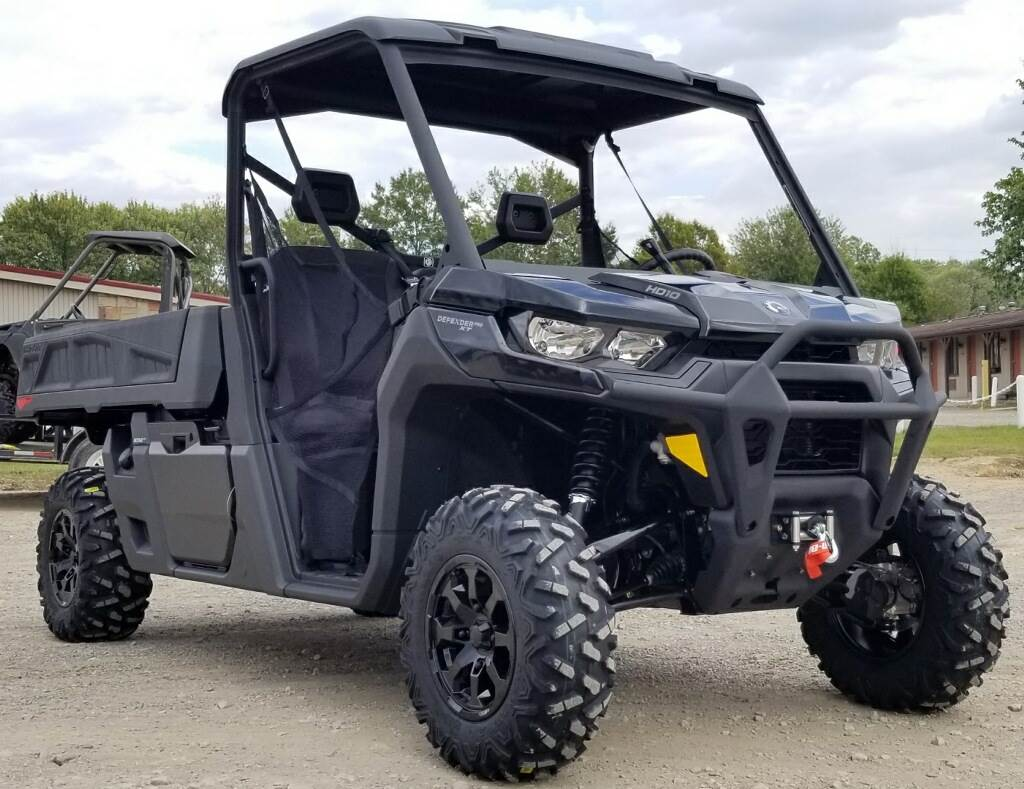 2020 Can-Am Defender Pro XT HD10 in Cambridge, Ohio - Photo 6