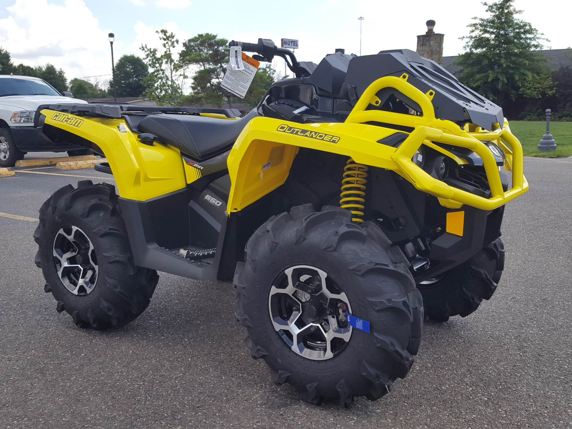 2019 Can-Am Outlander X mr 650 in Cambridge, Ohio - Photo 4