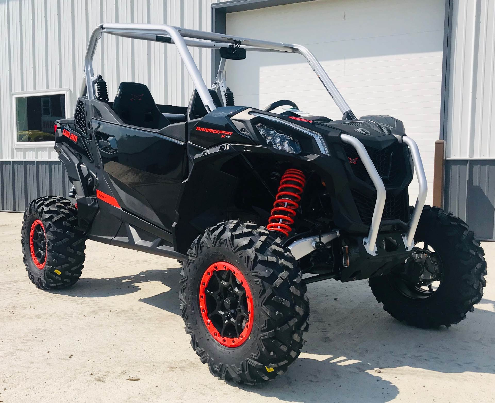 2020 Can-Am Maverick Sport X XC 1000R in Cambridge, Ohio - Photo 2