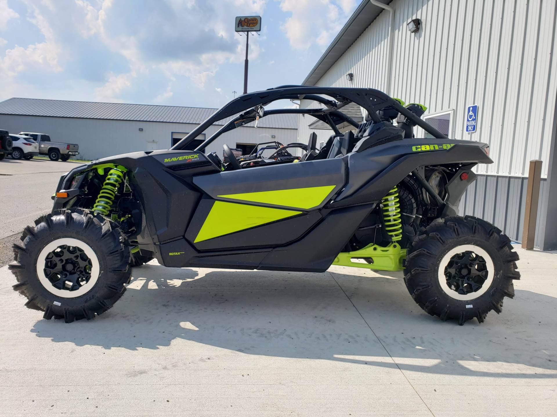 2020 Can-Am Maverick X3 X MR Turbo in Cambridge, Ohio - Photo 7