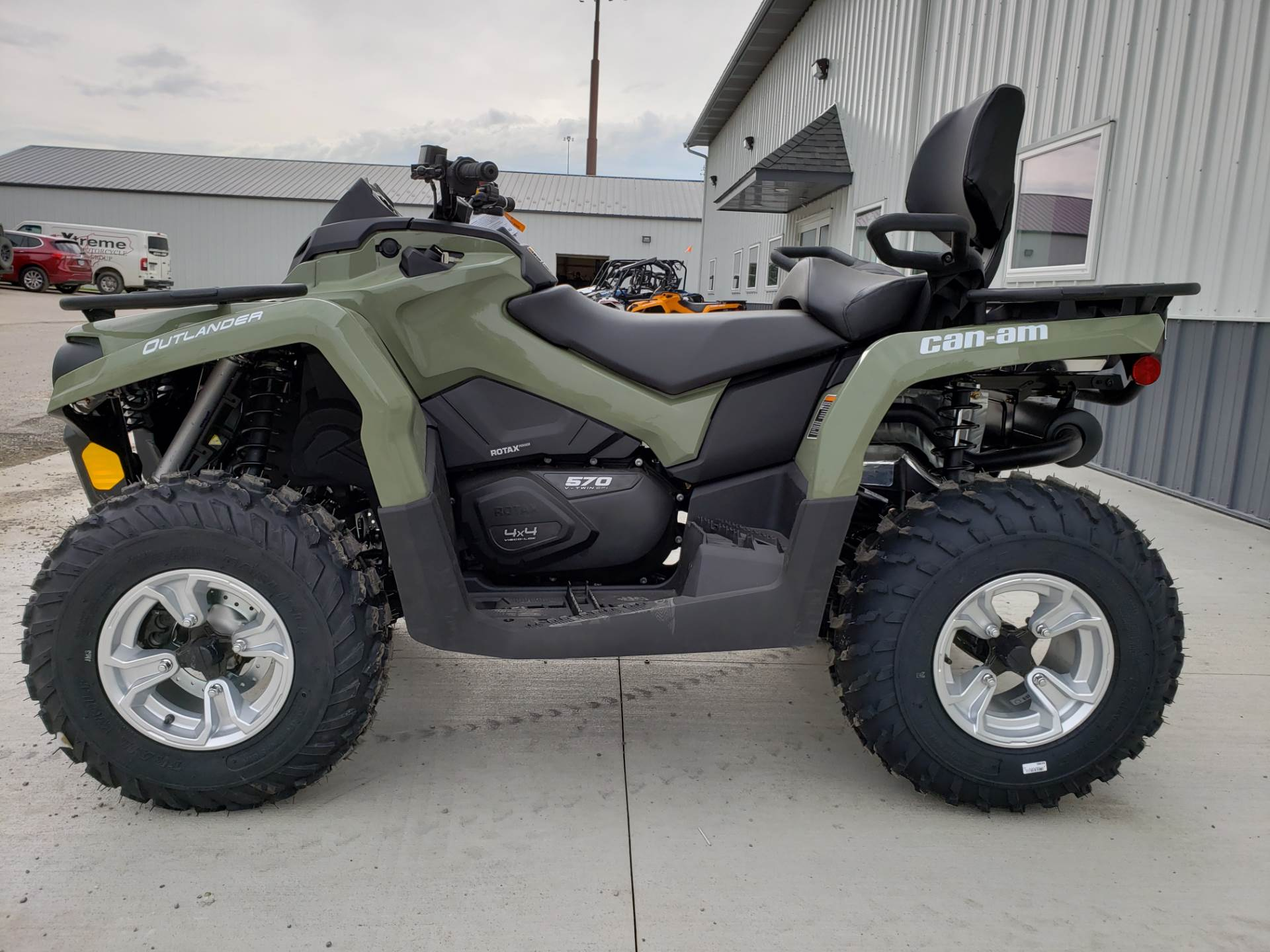 2019 Can-Am Outlander MAX DPS 570 in Cambridge, Ohio - Photo 1
