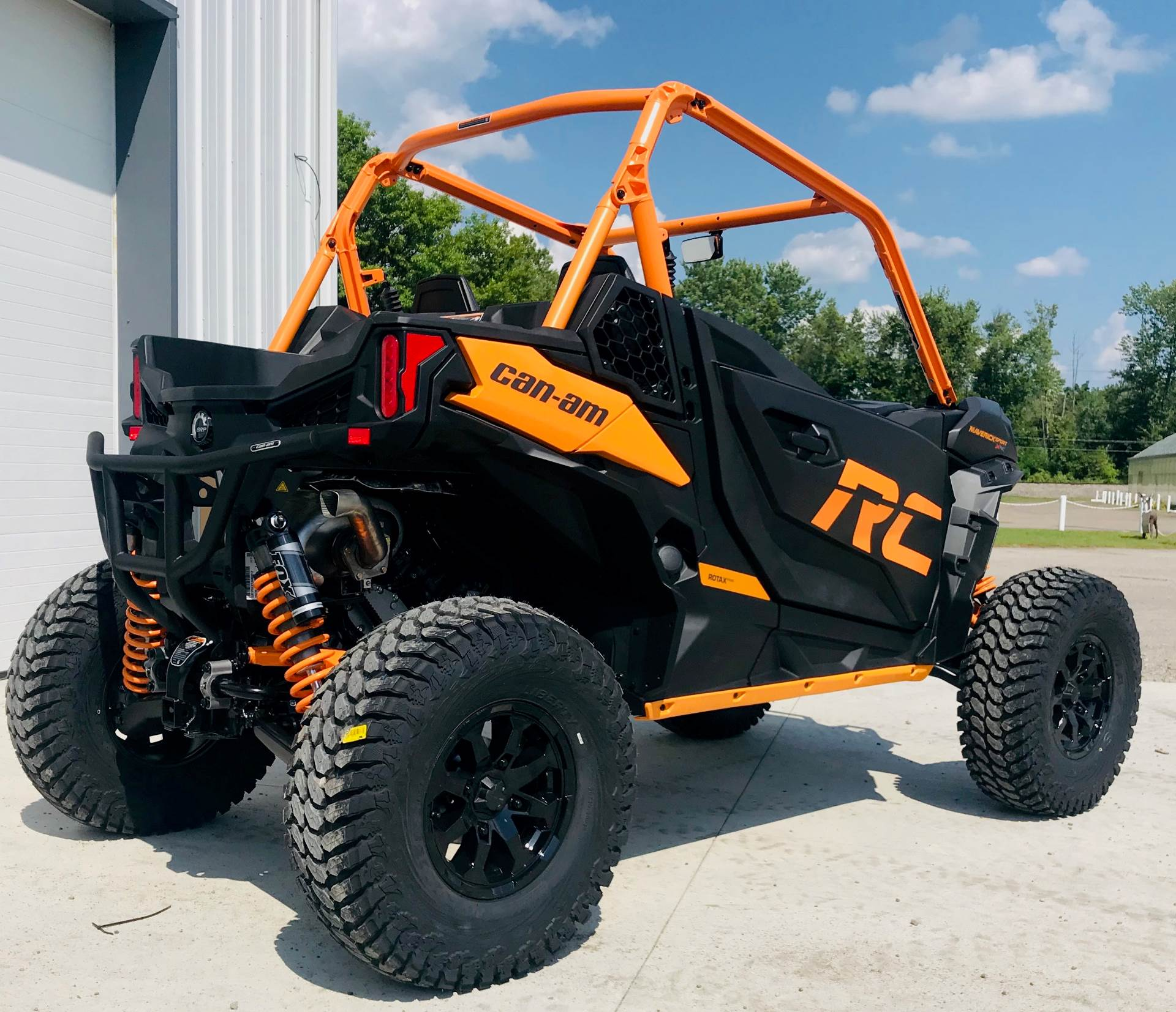2020 Can-Am Maverick Sport X RC 1000R in Cambridge, Ohio - Photo 4