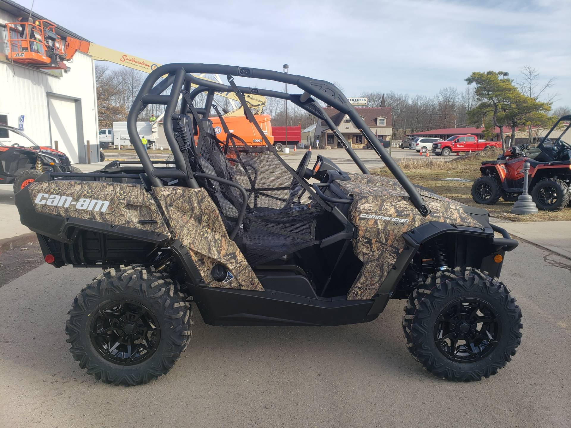 2020 Can-Am Commander XT 1000R in Cambridge, Ohio - Photo 5