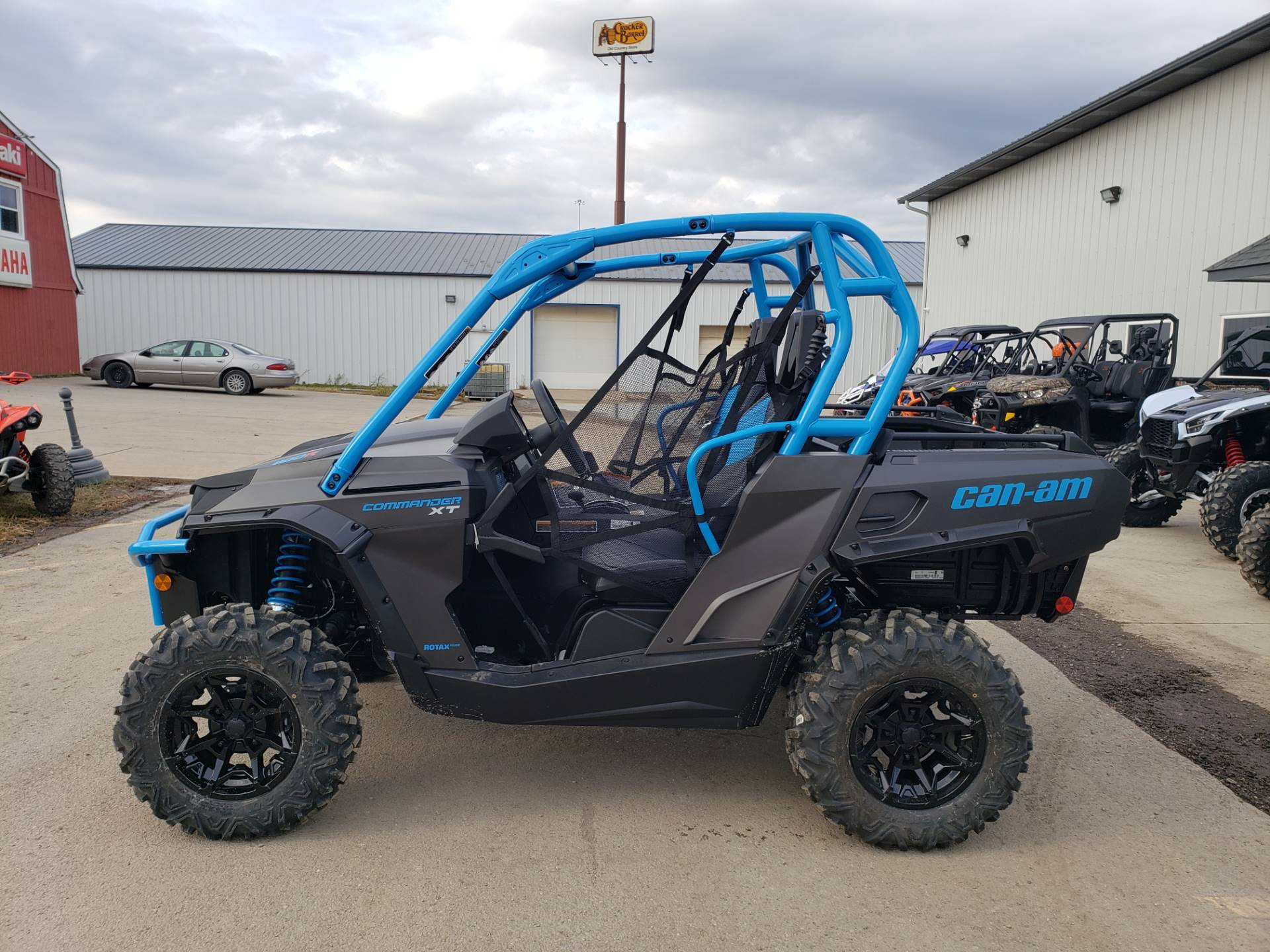 2020 Can-Am Commander XT 800R in Cambridge, Ohio - Photo 1