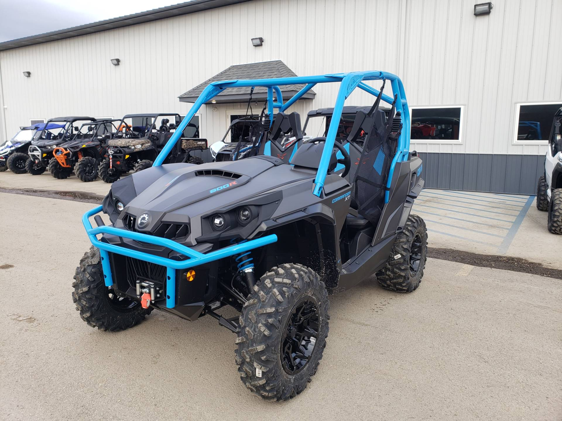 2020 Can-Am Commander XT 800R in Cambridge, Ohio - Photo 2