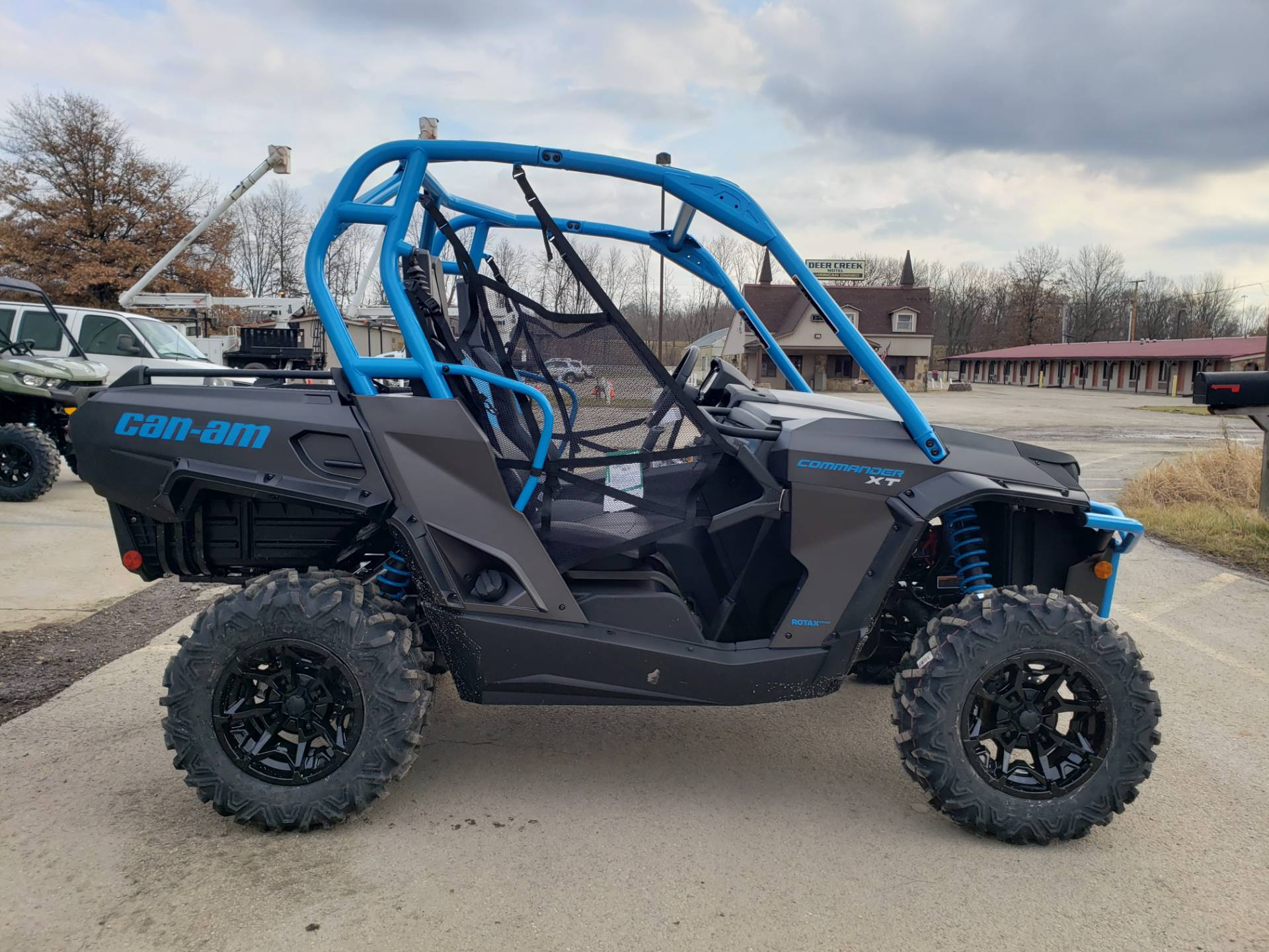 2020 Can-Am Commander XT 800R in Cambridge, Ohio - Photo 5