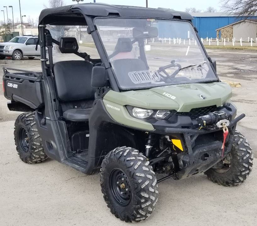 2019 Can-Am� Defender HD8 1