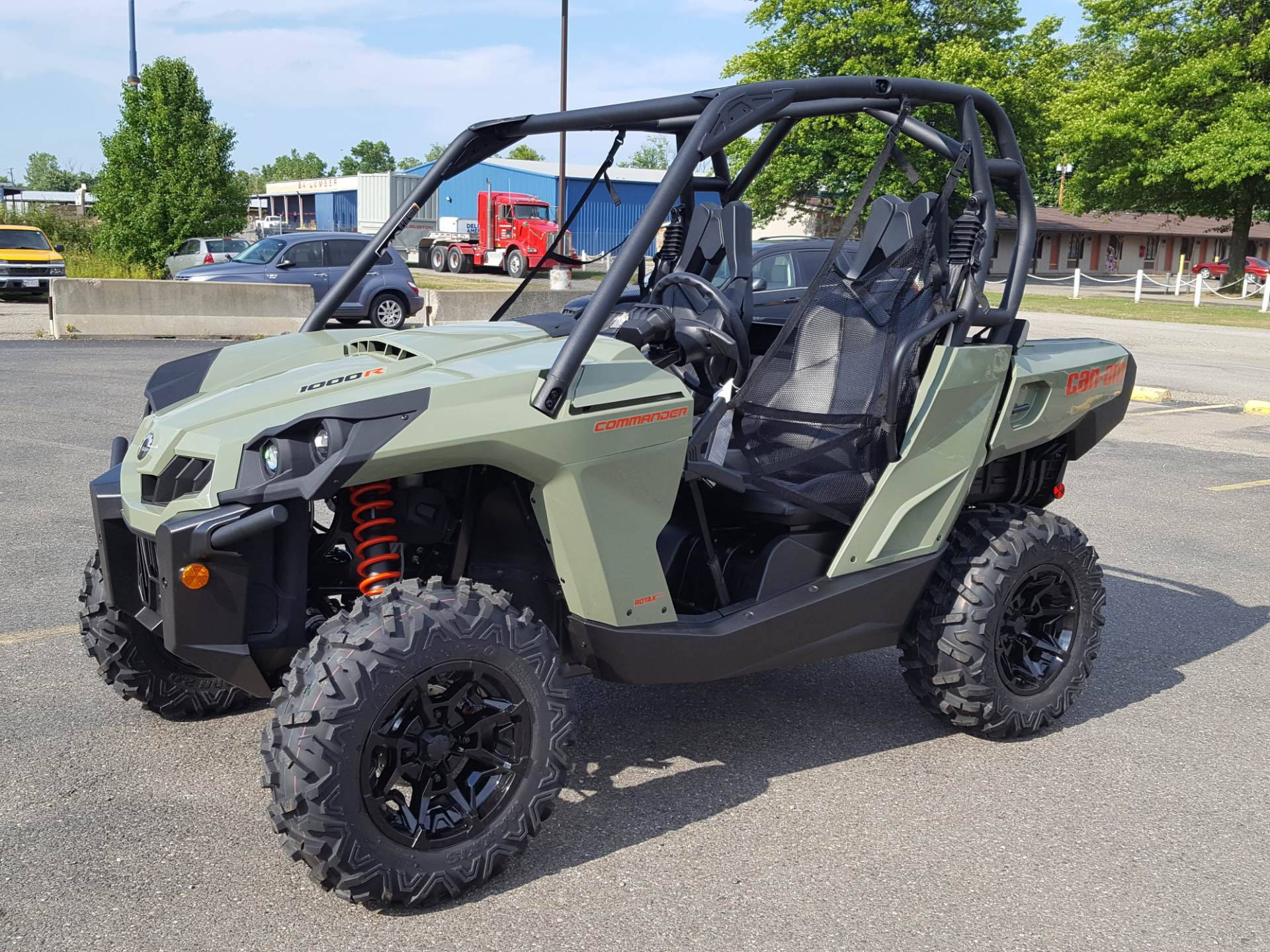 2019 Can-Am Commander DPS 1000R in Cambridge, Ohio - Photo 2