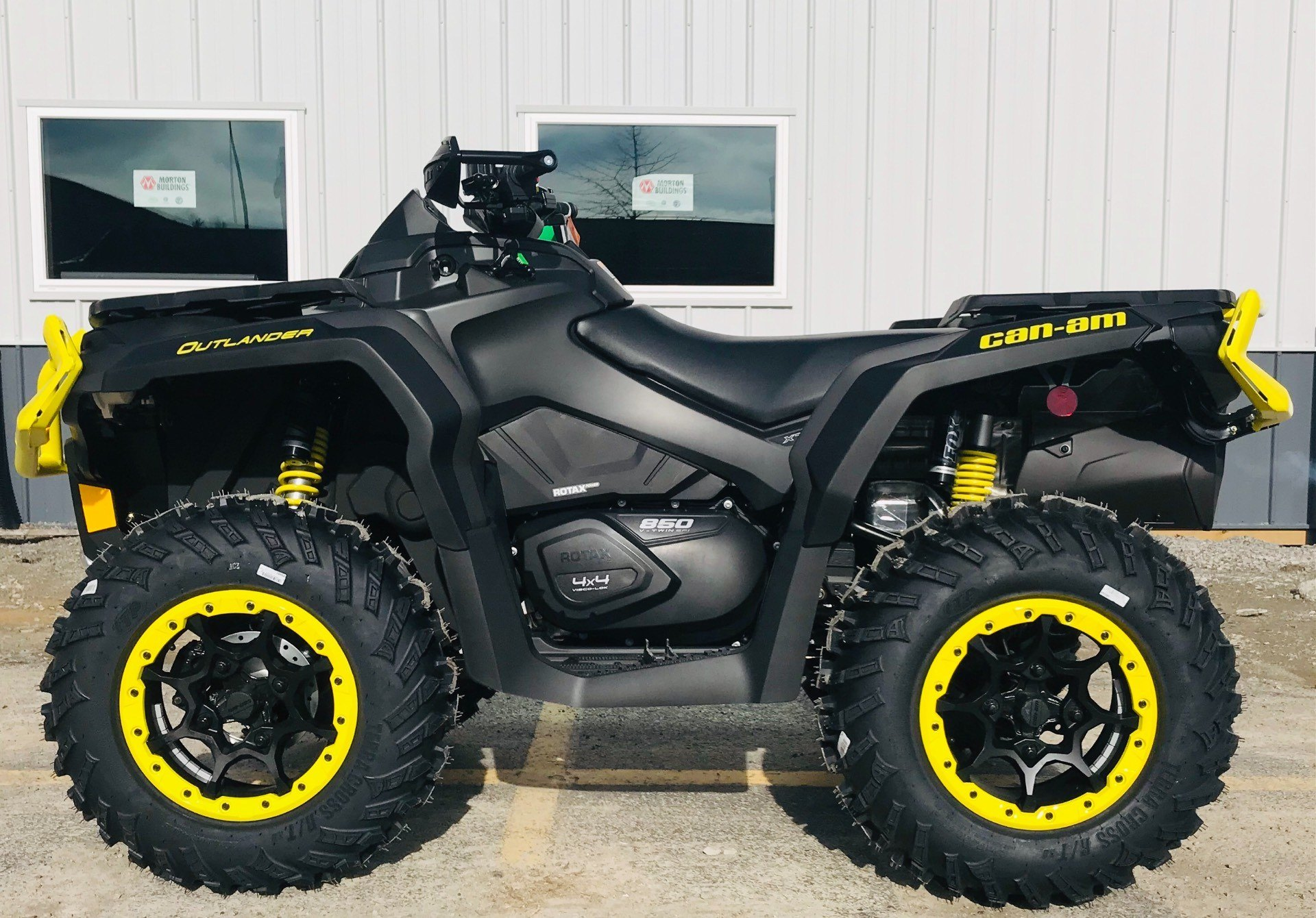 2019 Can-Am Outlander XT-P 850 in Cambridge, Ohio - Photo 1