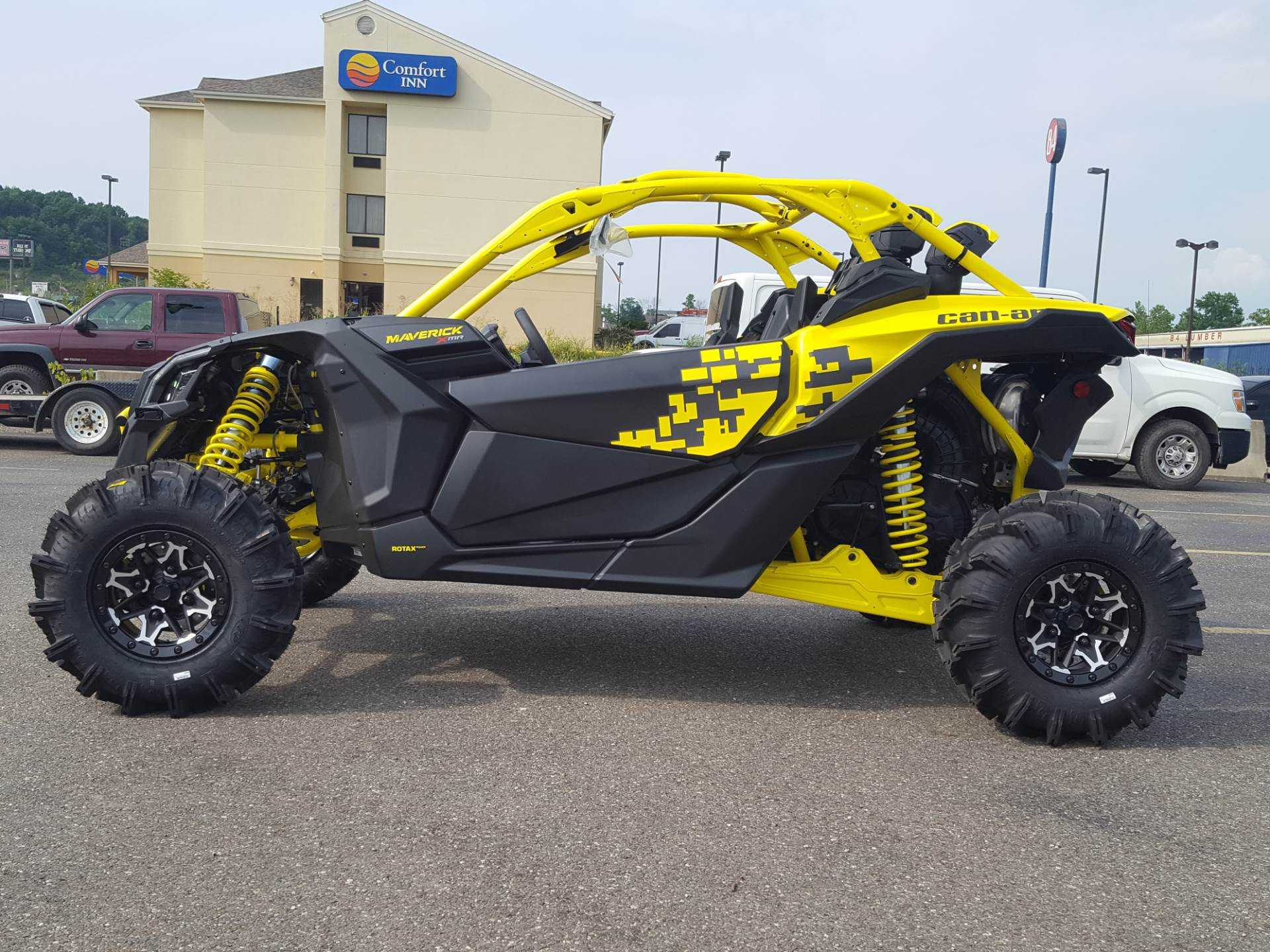 2019 Can-Am Maverick X3 X MR Turbo R in Cambridge, Ohio - Photo 1