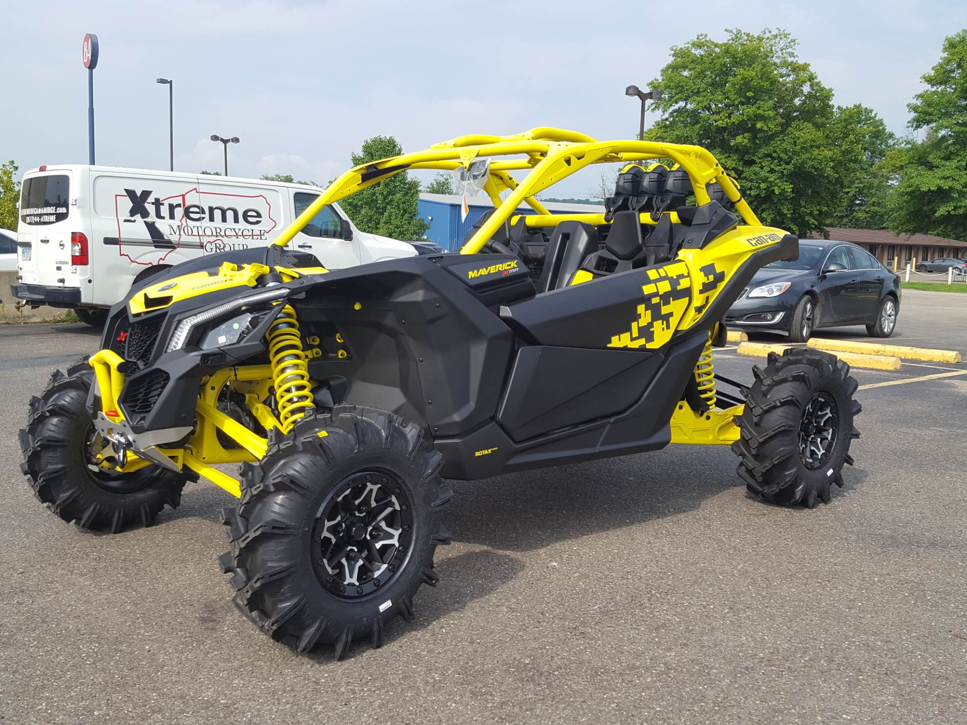 2019 Can-Am Maverick X3 X MR Turbo R in Cambridge, Ohio - Photo 2
