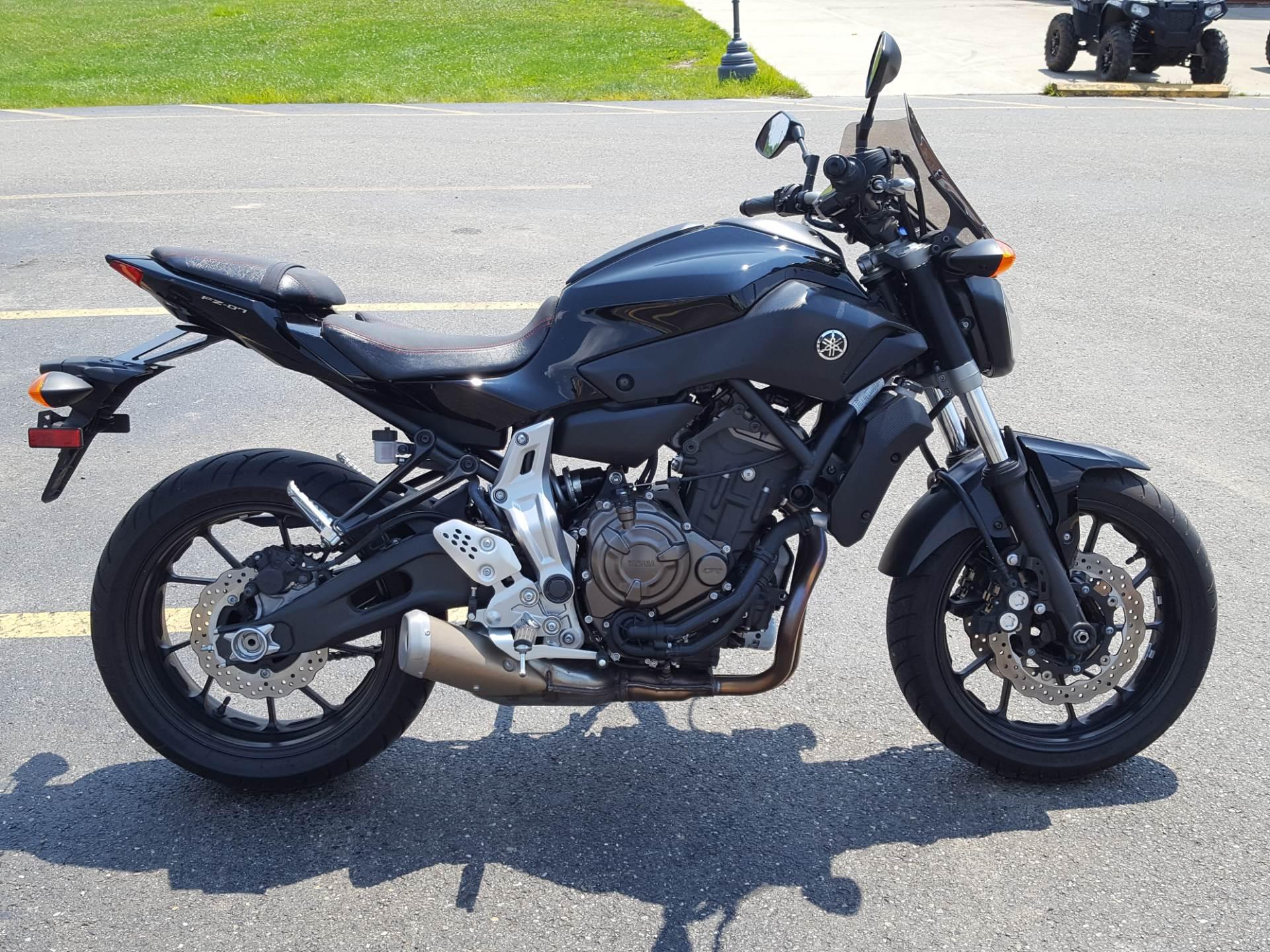 2016 Yamaha FZ-07 4