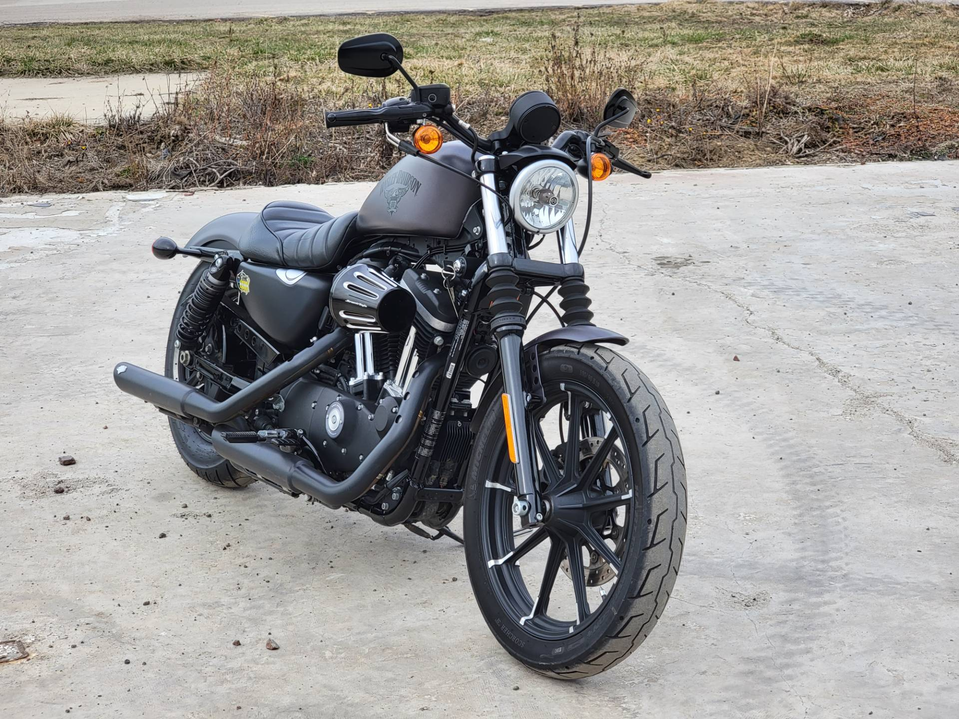 2017 Harley-Davidson Iron 883™ in Cambridge, Ohio - Photo 9