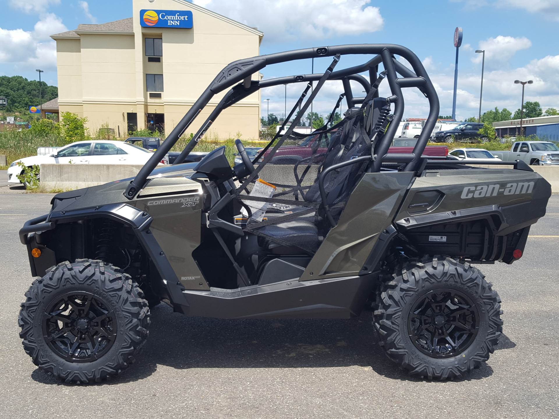 2019 Can-Am Commander XT 800R in Cambridge, Ohio - Photo 1