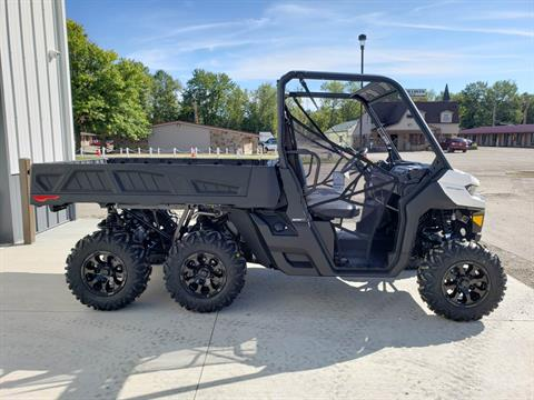 2020 Can-Am Defender 6x6 DPS HD10 in Cambridge, Ohio - Photo 5