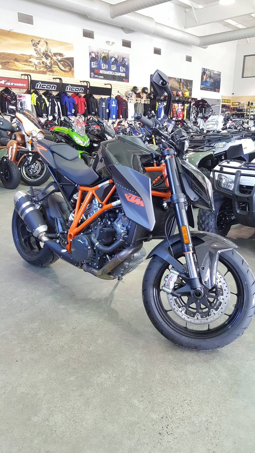 2016 KTM 1290 Super Duke R in Danbury, Connecticut