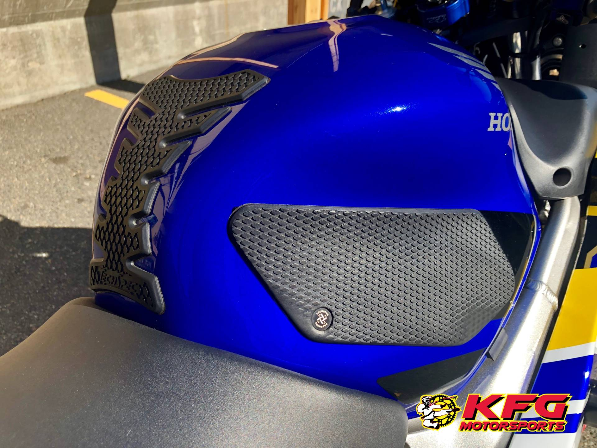 2006 Honda CBR®600F4i in Auburn, Washington - Photo 8