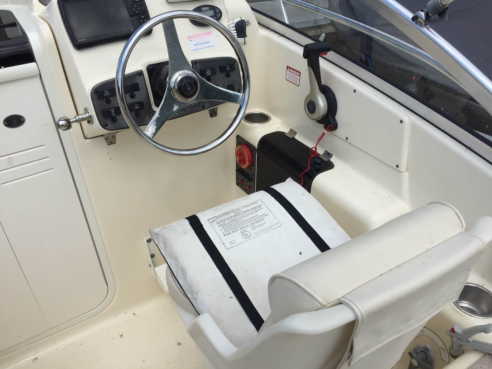 2005 Scout Boats 222 Abaco in Bridgeport, New York - Photo 4
