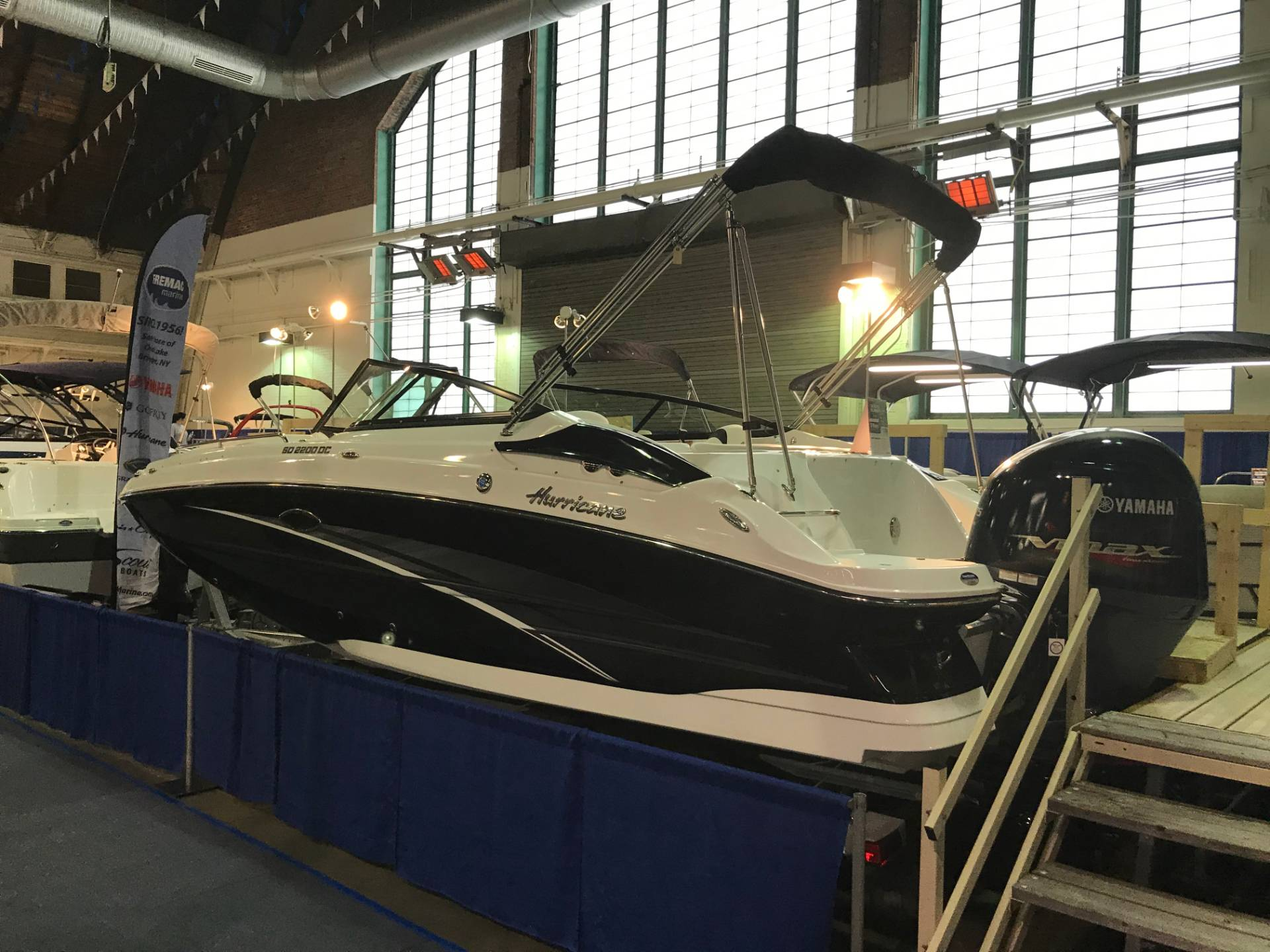 2018 Hurricane SunDeck 2200 DC OB in Bridgeport, New York - Photo 1