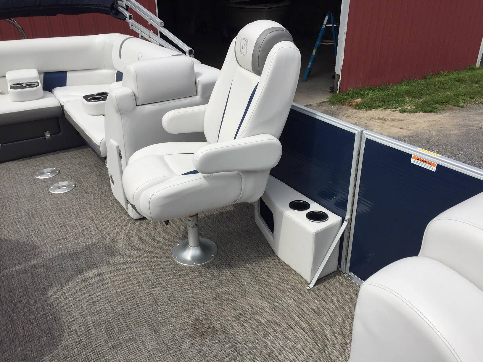 2017 AquaPatio 235 UL in Bridgeport, New York - Photo 17