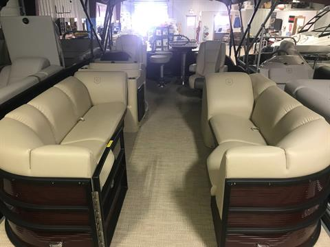 2018 Sweetwater Premium Edition 215 CB in Bridgeport, New York
