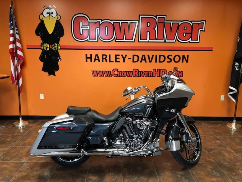 2019 Harley-Davidson CVO™ Road Glide® in Delano, Minnesota