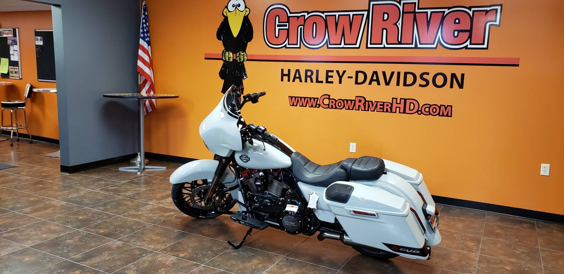 2020 Harley-Davidson CVO™ Street Glide® in Delano, Minnesota - Photo 5
