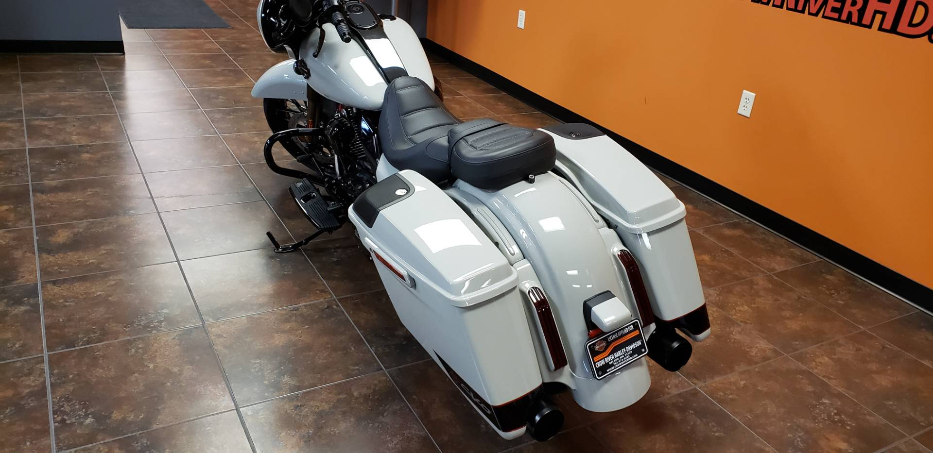 2020 Harley-Davidson CVO™ Street Glide® in Delano, Minnesota - Photo 7