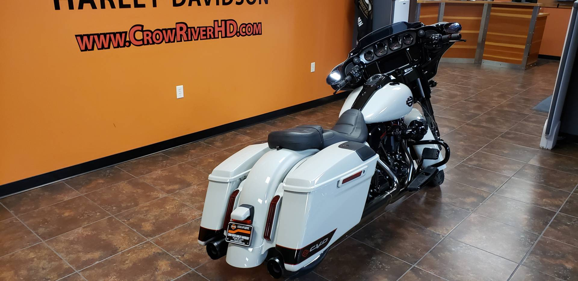 2020 Harley-Davidson CVO™ Street Glide® in Delano, Minnesota - Photo 8