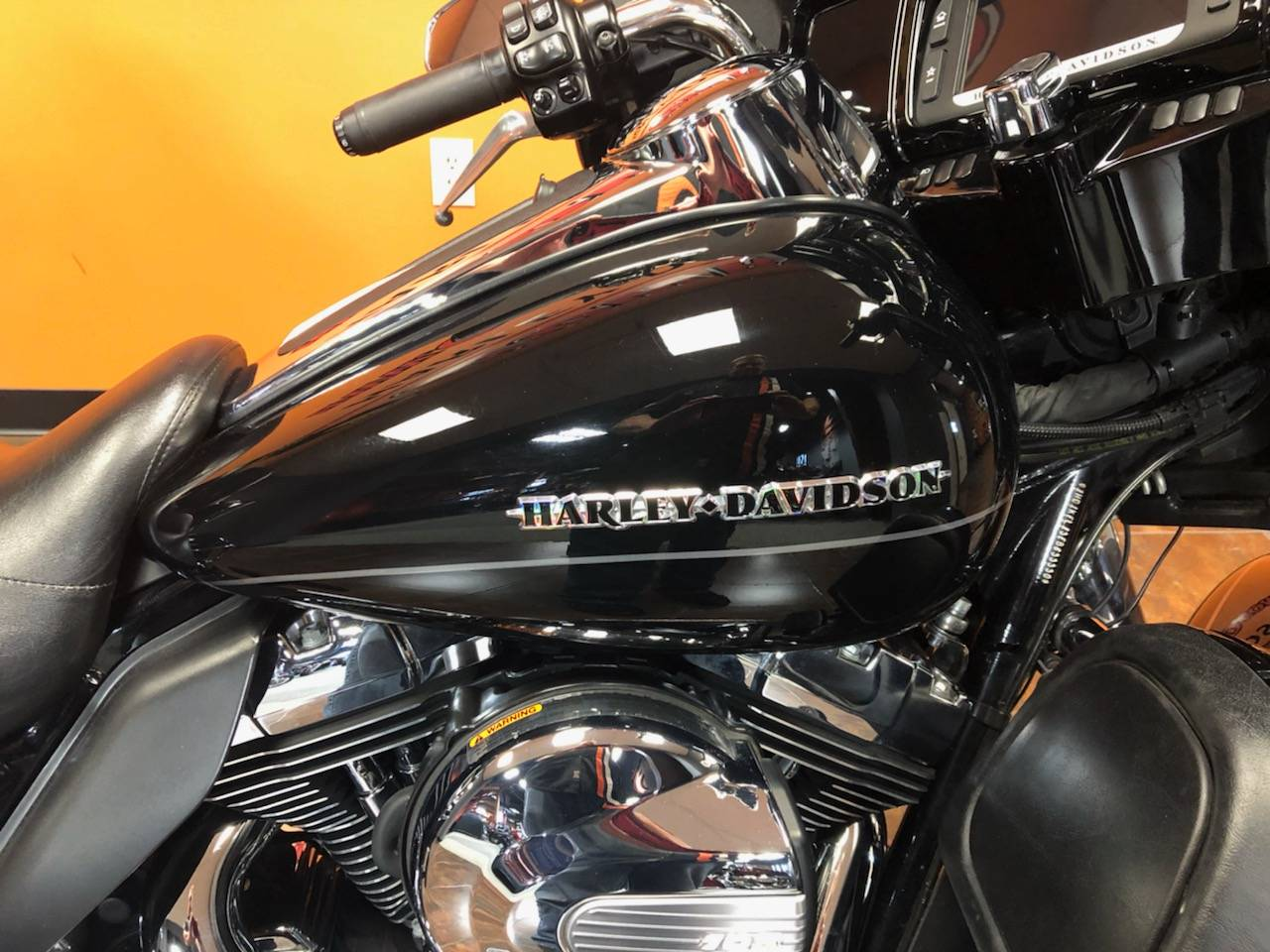 2014 Harley-Davidson Ultra Limited in Delano, Minnesota - Photo 2