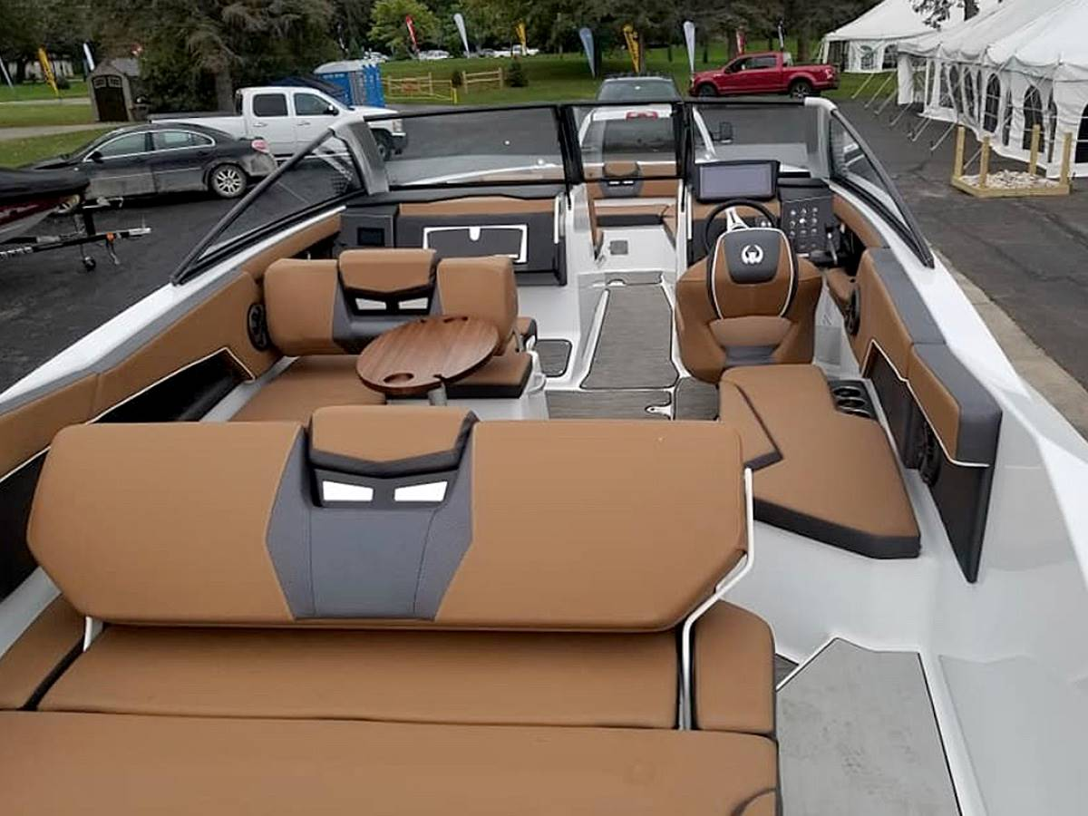 2020 Scarab 285 ID in Clearwater, Florida - Photo 5