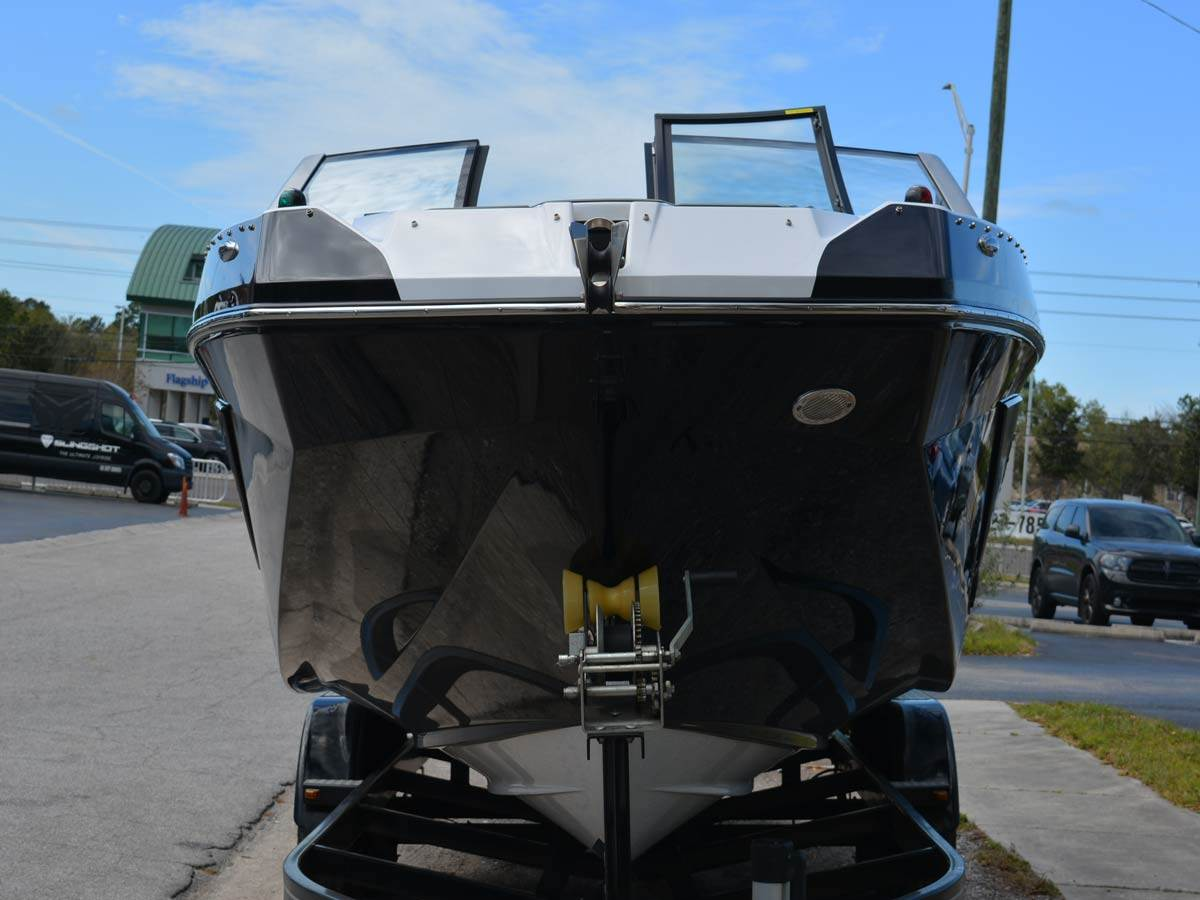 2020 Scarab 285 ID in Clearwater, Florida - Photo 4