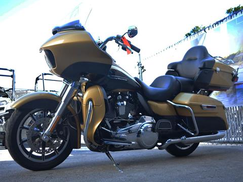 2017 Harley-Davidson Road Glide® Ultra in Clearwater, Florida - Photo 11