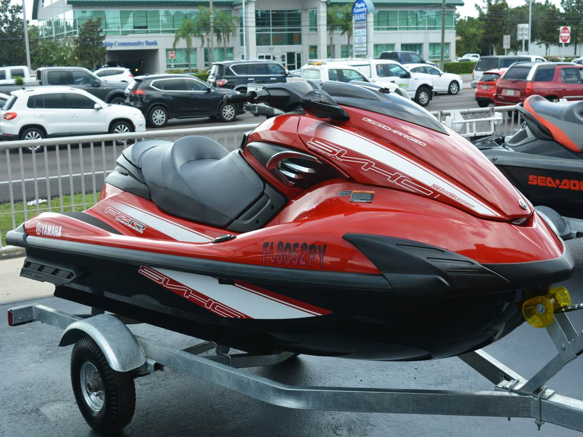 2015 Yamaha FZR® in Clearwater, Florida