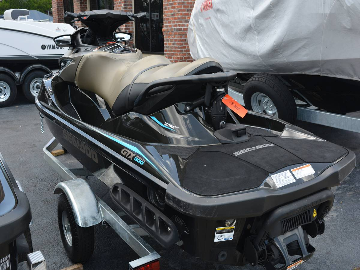 2016 Sea-Doo GTX Limited 300 in Clearwater, Florida - Photo 8
