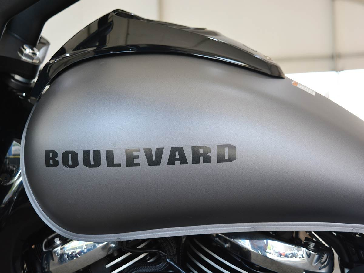2019 Suzuki Boulevard M50 in Clearwater, Florida - Photo 17
