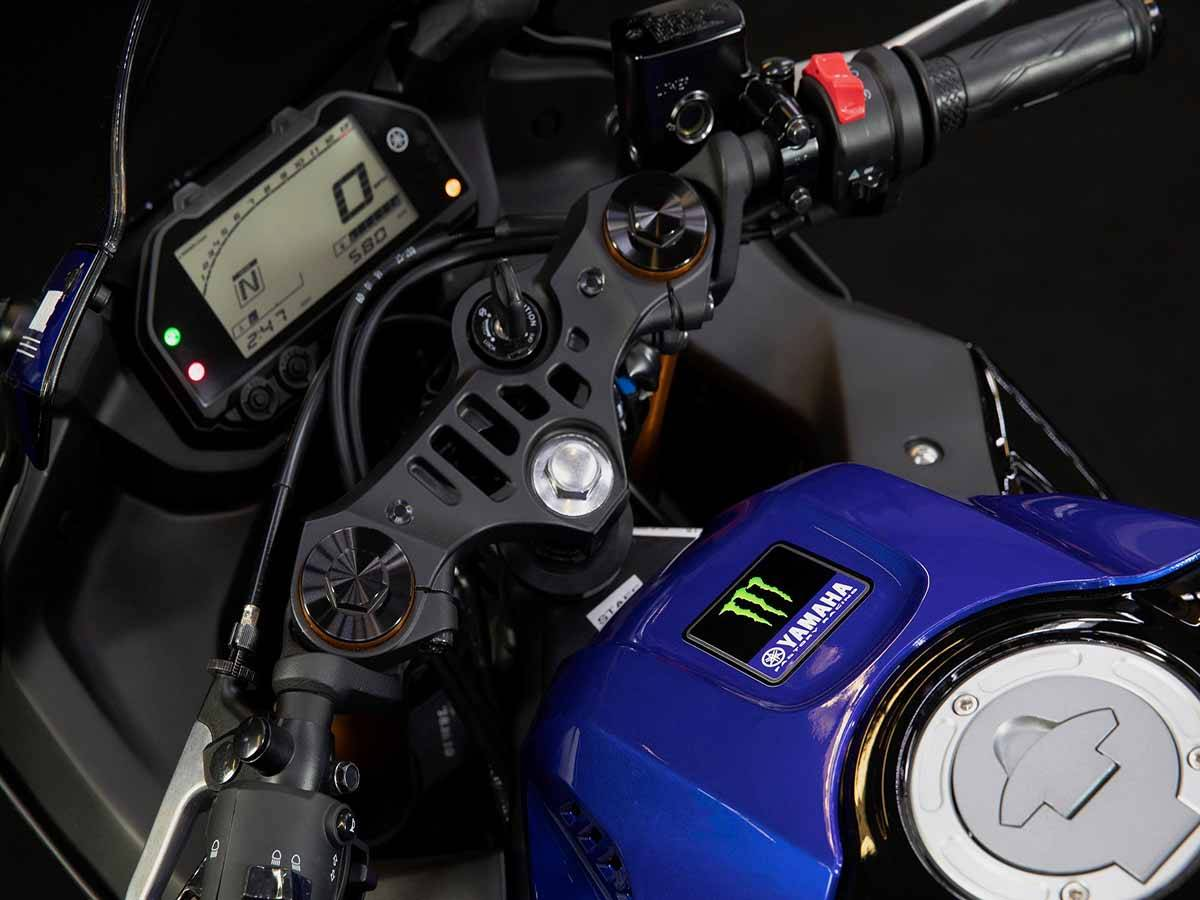 2021 Yamaha YZF-R3 ABS Monster Energy Yamaha MotoGP Edition in Clearwater, Florida - Photo 10
