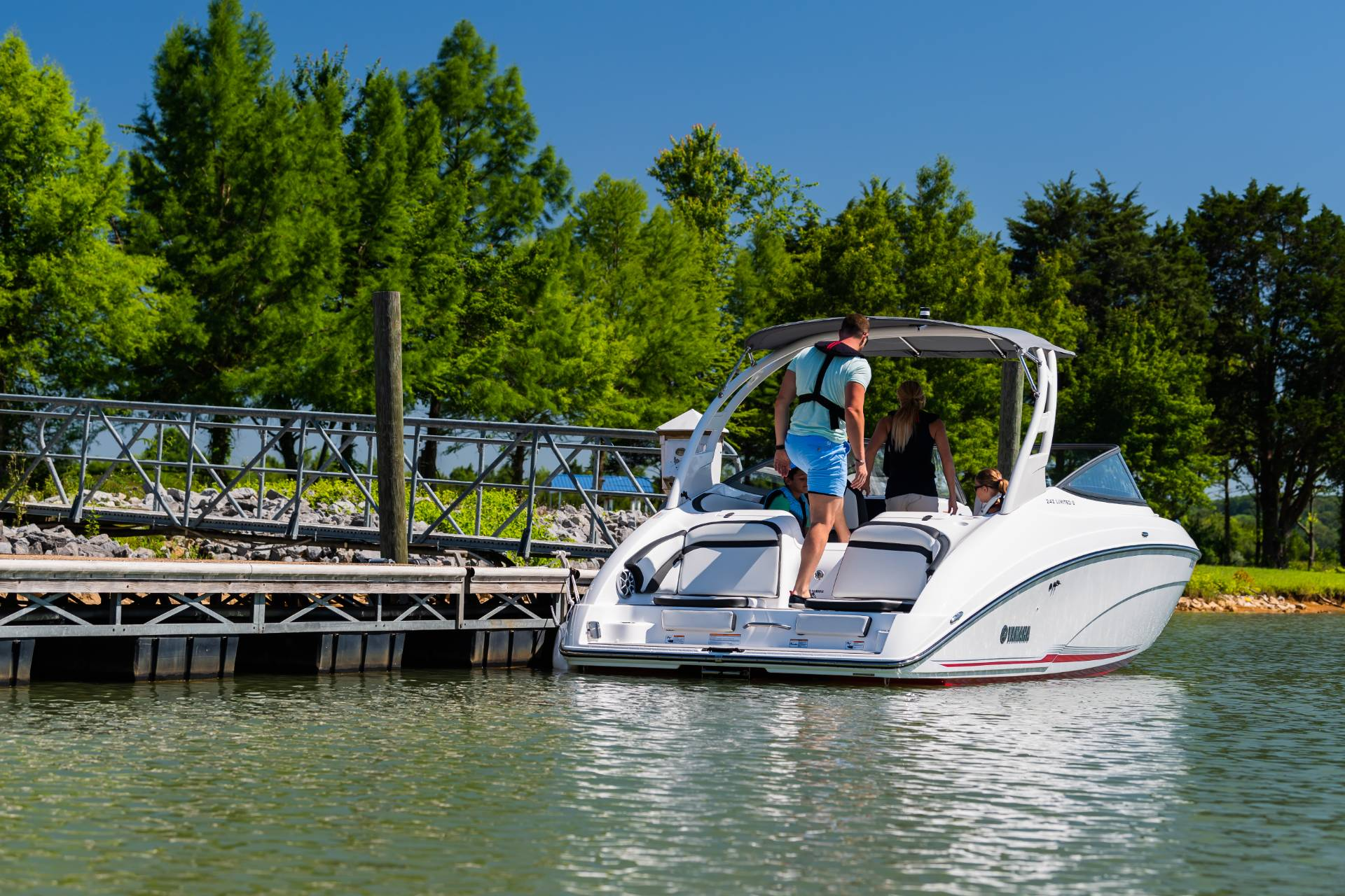 2019 Yamaha 242 Limited S in Clearwater, Florida - Photo 8